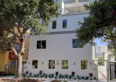 001_Exterior-Front-